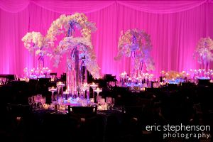 beautiful-wedding-decor-denver-art-museum.jpg
