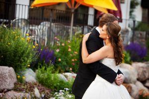 Bride_and_groom_in_Vail.jpg