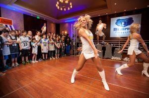Denver_Nuggets_cheerleaders_performing.jpg